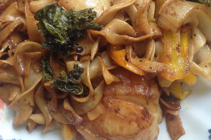 Scallops & Egg Noodles